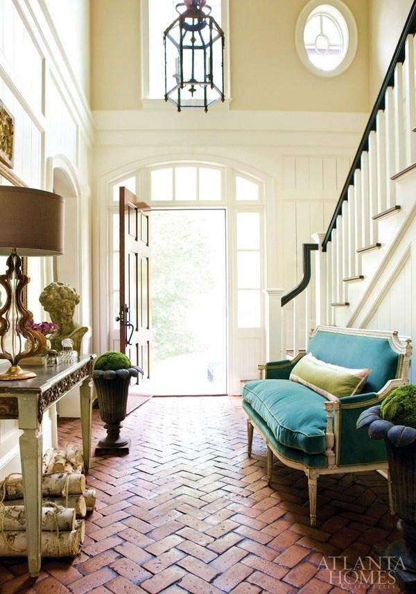Small Foyer Settee : Ways to style a settee strange charmedstrange charmed